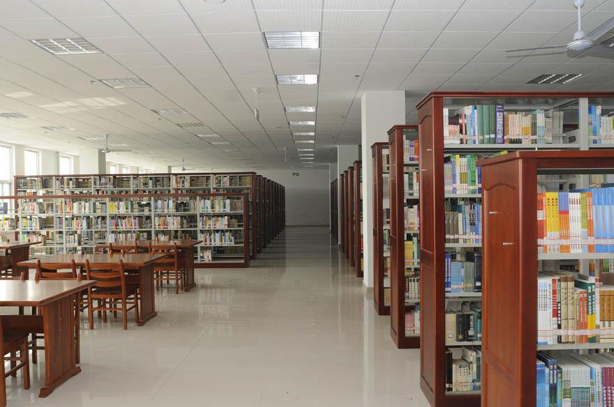 图书馆 880 584